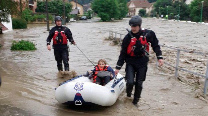 Zbog poplava vanredno stanje u Ivanjici, u 14 opština vanredna situacija (FOTO, VIDEO) 1