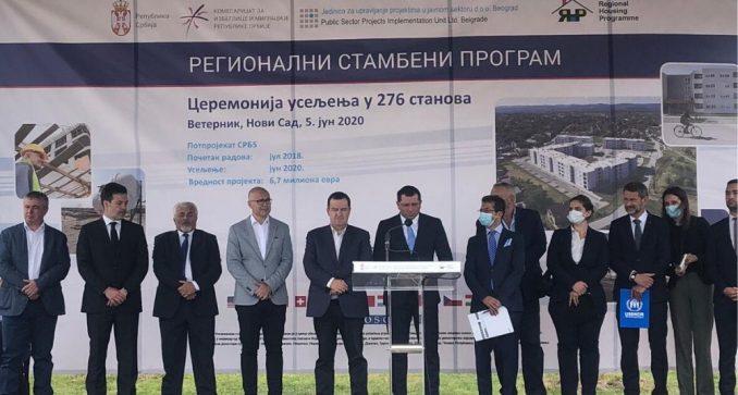 Dačić prisustvovao dodeli 276 stanova izbeglicama iz Hrvatske i BiH 2