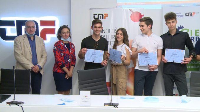 """Ekipa """"5a"""" iz Pete beogradske gimnazije pobednik Druge tehnološke studije slučaja 2"""