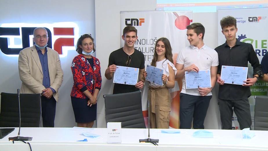 """Ekipa """"5a"""" iz Pete beogradske gimnazije pobednik Druge tehnološke studije slučaja 1"""
