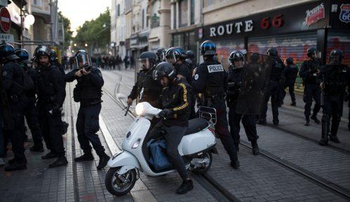 Novi noćni protesti policajaca u Parizu 14