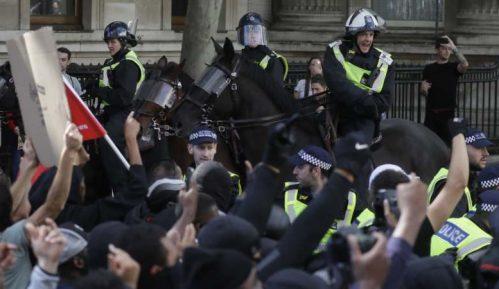 Sukobi ekstremnih desničara i policije u Londonu 15