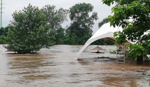 Vojska Srbije popravlja puteve i vodovode u poplavljenim područjima Srbije 5