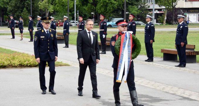 Stefanović: Srbija nikada neće zaboraviti herojsku žrtvu pripadnika policije 2