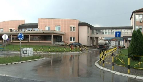 Bolnica u Novom Pazaru dobila još 10 respiratora 12