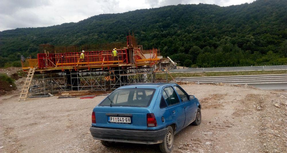Gradonačelnik Pirota Vladan Vasić sa saradnicima obišao radove na izgradnji Sopotske petlje 2