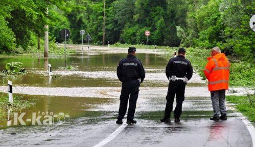 Bujične poplave nanele velike štete u naseljima Majdanpeka (FOTO) 4