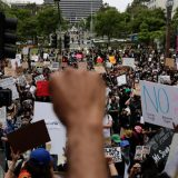 U Los Anđelesu uhapšeno više od 2.700 ljudi 12
