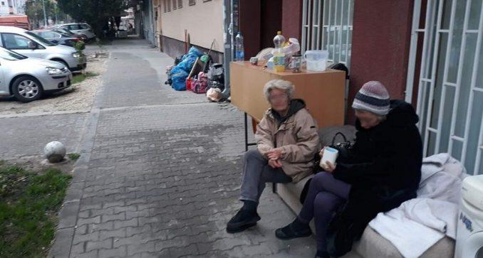 Zbog dugovanja za račune noć provele na ulici 7