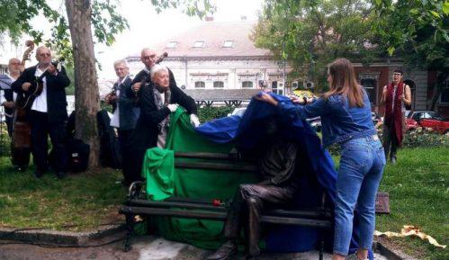 Branko Najhold dobio klupu na Zemunskom keju 2
