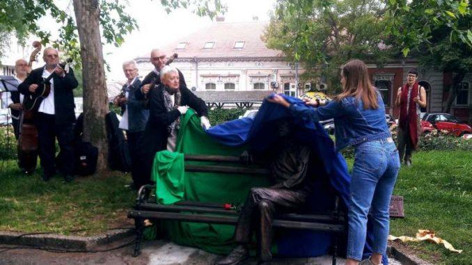 Branko Najhold dobio klupu na Zemunskom keju 3