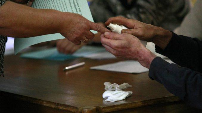 KoSSev: Glasanje u Goraždevcu počelo sat vremena kasnije 4