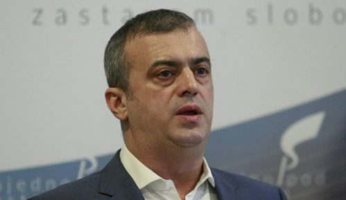 """Trifunović: Ispred Skupštine traje """"čist građanski protest"""" 1"""