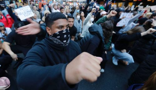 Demonstranti u SAD traže reformu policije i obračun sa rasizmom 6