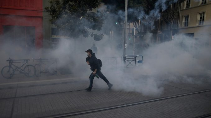 U Francuskoj skup protiv policijskog nasilja 1