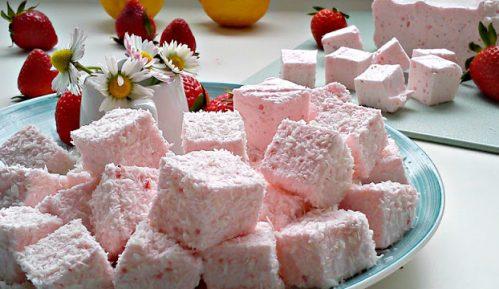 Recept nedelje: Penaste bombone sa jagodama (marshmallow) 3