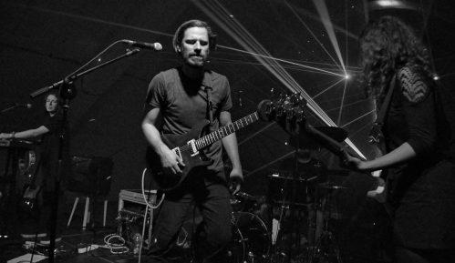 Mikstejp za post-karantin: Plejlistu pravi bend KOIKOI 11