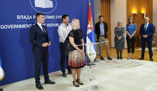 Porodici Savić odobreno usvajanje devojčice 3