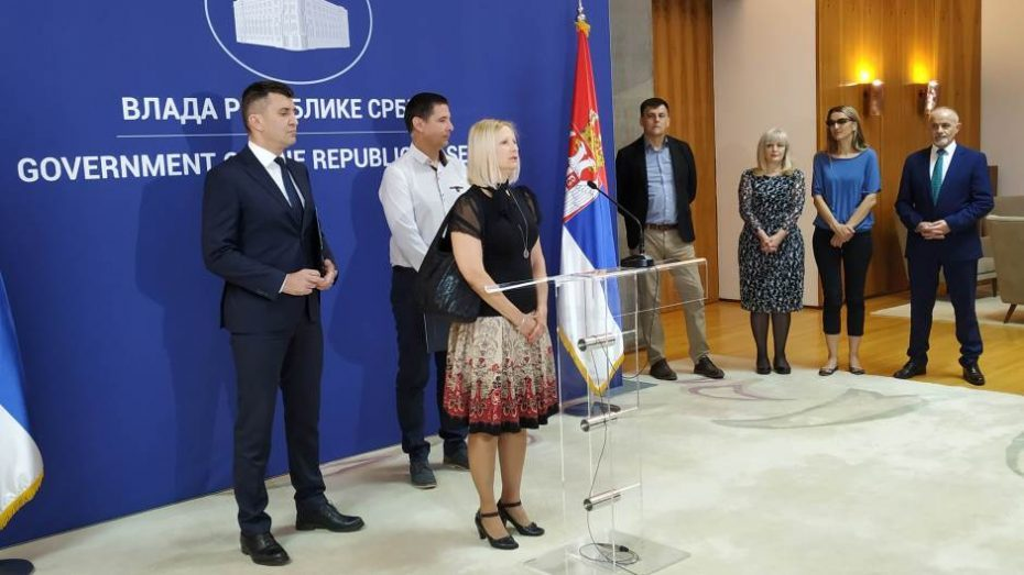 Porodici Savić odobreno usvajanje devojčice 1
