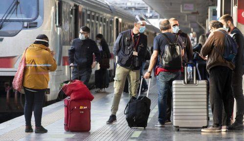 Broj turista u Srbiji prepolovljen u odnosu na prošlu godinu 12