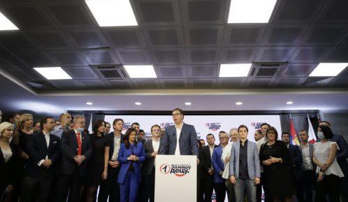 Blumberg: Vučićev SNS obezbedio ogromnu većinu, glavna prepreka Kosovo 1