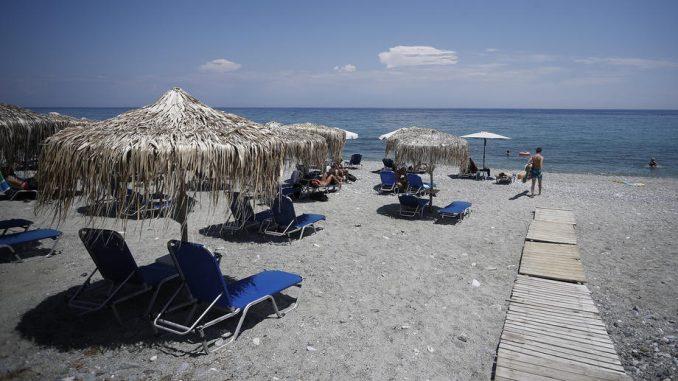 Grčka predlaže nedelju osvešćivanja posle skoka slučajeva Kovida-19 2