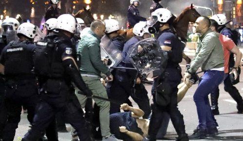 Advokat podneo krivične prijave protiv policajaca zbog nasilja nad uhapšenim demonstrantima 14