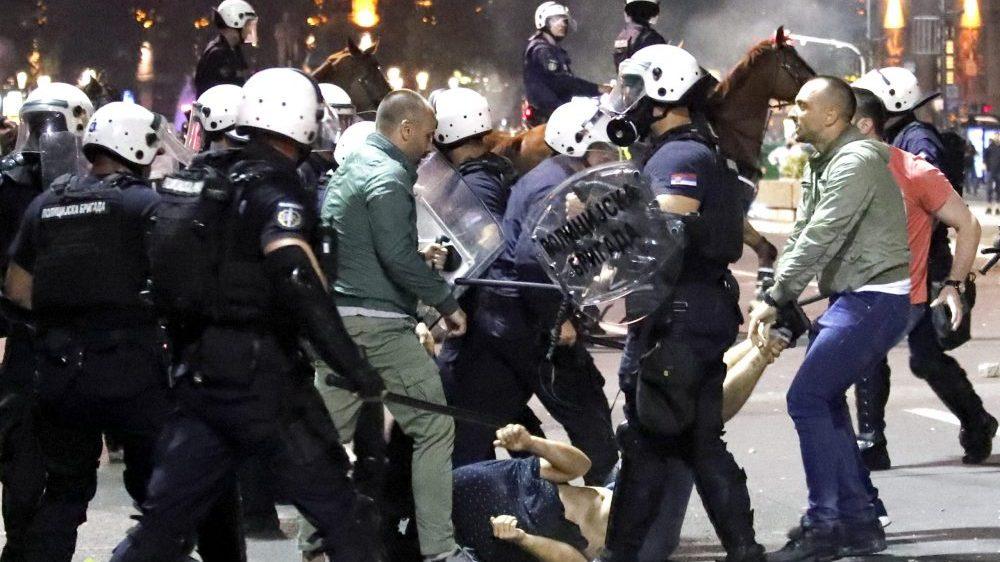 Izveštaj Beogradskog centra za ljudska prava povodom prošlogodišnjih protesta: Teško do pravde 1