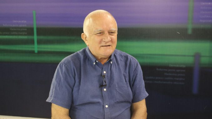 Dušan Janjić odgovara na pitanja 22. aprila na Fejsbuku 5