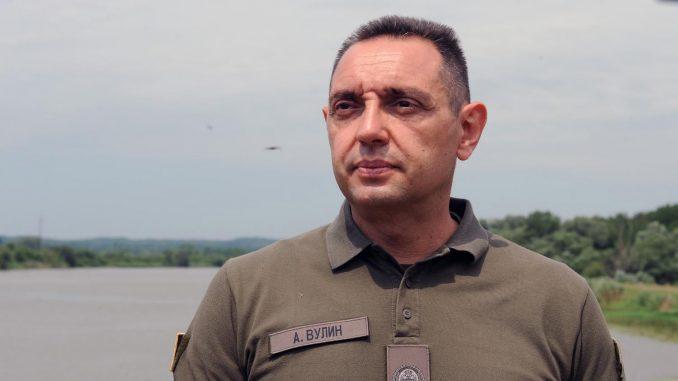 Vulin: Nije bilo nikakvog ilegalnog prelaza, reč je o jednovremenoj patroli između Vojske Srbije i Kfora 2
