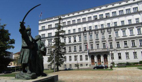 Kritičare pretvaraju u protivnike Srbije 11