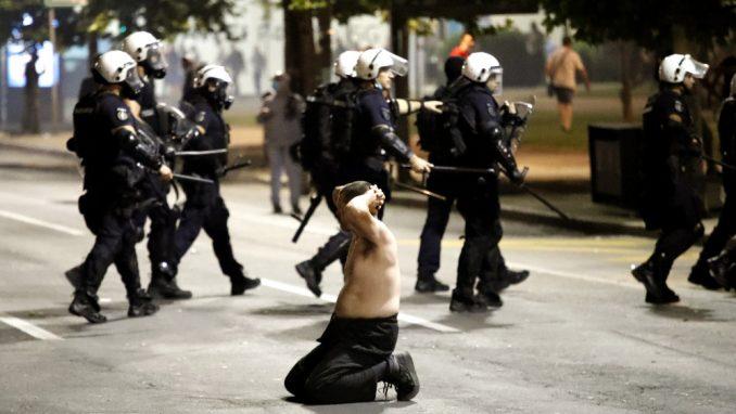 Zaštitnik građana: Policija nezakonito postupala prema građanima na protestima u julu 2020. 1