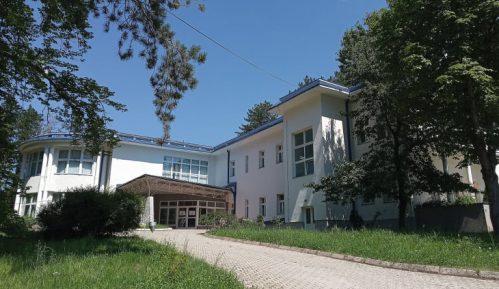 Na jugu Srbije manjak postelja i višak neodgovornosti 14