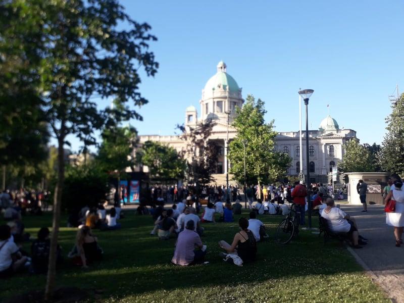 Treće veče protesta prošlo bez većih incidenata (FOTO, VIDEO) 17