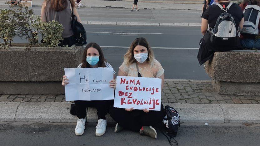 Na petom protestu manje okupljenih nego prethodnih dana (FOTO, VIDEO) 24