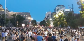 Na petom protestu manje okupljenih nego prethodnih dana (FOTO, VIDEO) 12