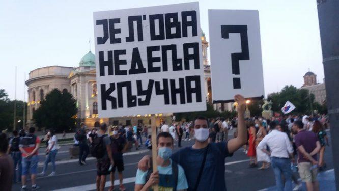 Na petom protestu manje okupljenih nego prethodnih dana (FOTO, VIDEO) 17