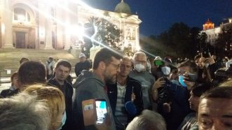 Šesti protest u Beogradu bez incidenata, uz učešće oko 1.000 ljudi (FOTO/VIDEO) 12