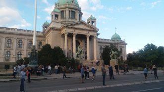 Šesti protest u Beogradu bez incidenata, uz učešće oko 1.000 ljudi (FOTO/VIDEO) 33