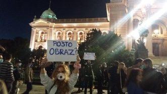 Šesti protest u Beogradu bez incidenata, uz učešće oko 1.000 ljudi (FOTO/VIDEO) 20