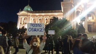 Šesti protest u Beogradu bez incidenata, uz učešće oko 1.000 ljudi (FOTO/VIDEO) 20