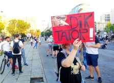 Četvrto veče protesta ponovo obeležili incidenti (FOTO, VIDEO) 17