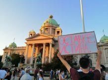 Četvrto veče protesta ponovo obeležili incidenti (FOTO, VIDEO) 16