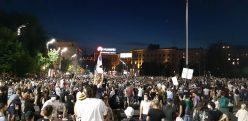 Na petom protestu manje okupljenih nego prethodnih dana (FOTO, VIDEO) 6