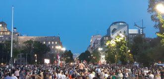 Na petom protestu manje okupljenih nego prethodnih dana (FOTO, VIDEO) 16