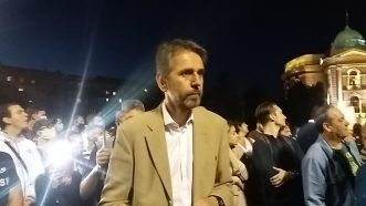 Šesti protest u Beogradu bez incidenata, uz učešće oko 1.000 ljudi (FOTO/VIDEO) 13
