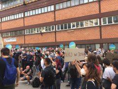 Protest ispred CZ-a održan drugi dan zaredom (FOTO, VIDEO) 6