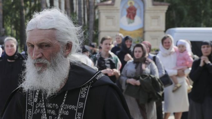 Ruska pravoslavna crkva: Otac Sergej, koji negira postojanje korona virusa, ekskomuniciran je iz crkve 1