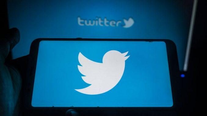 """Džordž Flojd i rasizam: Tviter izbacuje reči """"gospodar"""", """"rob"""" i """"crna lista"""" iz programerskog govora 2"""