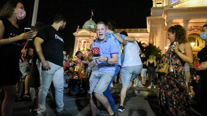 Korona virus: Protest studenata zbog novih mera, vanredna situacija u Beogradu, Kim Džong Un kaže da je Severna Koreja sprečila zarazu 3